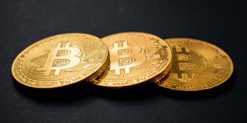 Kas yra bitcoin - trys virtualios monetos kurias naudoja Lietuva ir kitos šalys